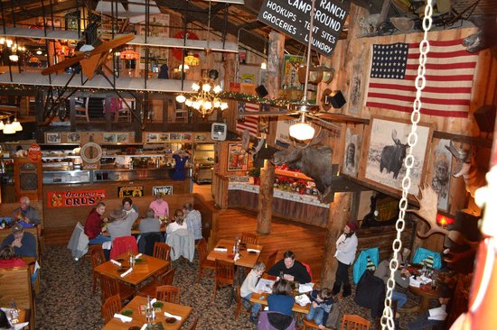 Mangy Moose Restaurant and Saloon: Interior