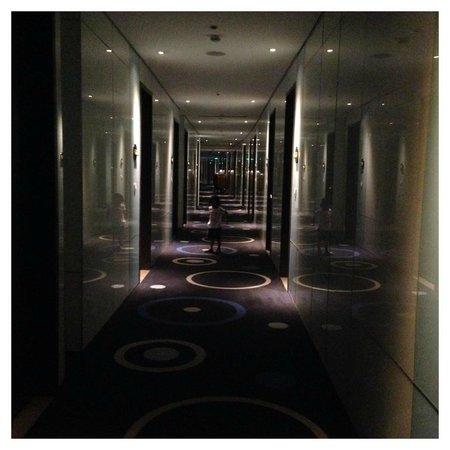 Hotel H2O: Hallway