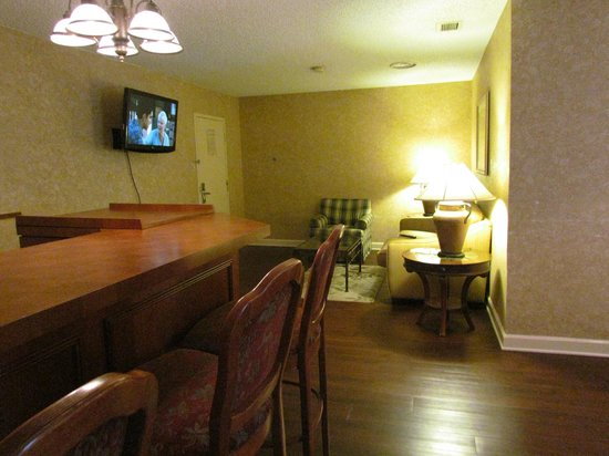 Clarion Hotel Lexington Conference Center North: Suite