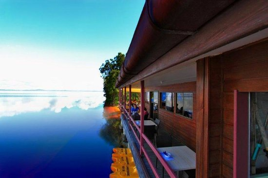 Ripples on the Lake side deck for dining in private