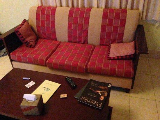 Sokha Beach Resort: old furniture