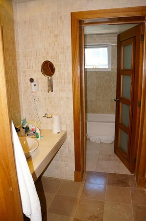 Presidential Suites A Lifestyle Holidays Vacation Resort: Master bathroom