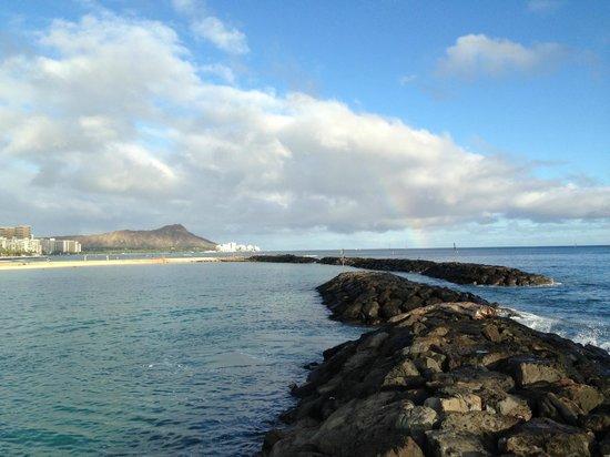 Ala Moana Beach Park: Diamond Head in the background