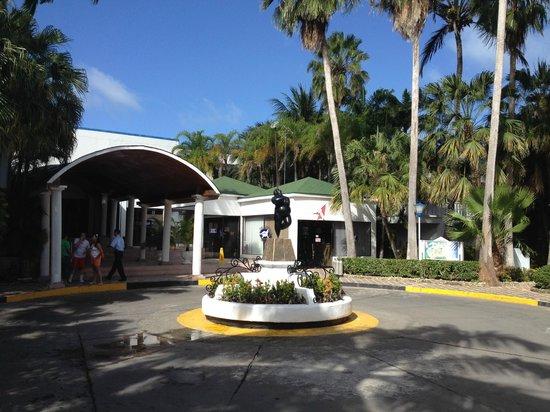 Decameron Marazul: Entrada del hotel