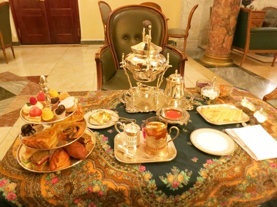 Hotel Metropol Moscow : Afternoon Tea!