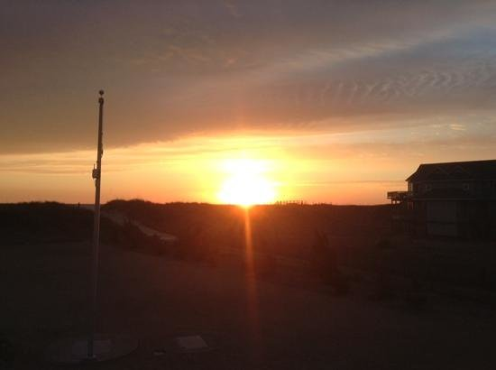 Sanderling Resort: sunrise....couldn't ask for a better start to your day!