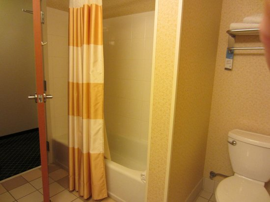 Fairfield Inn & Suites Chattanooga South/East Ridge: Room 311 Large King Suite