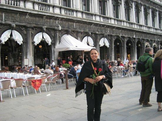 Piazza San Marco (Plaza de San Marcos): I got 2 Roses!