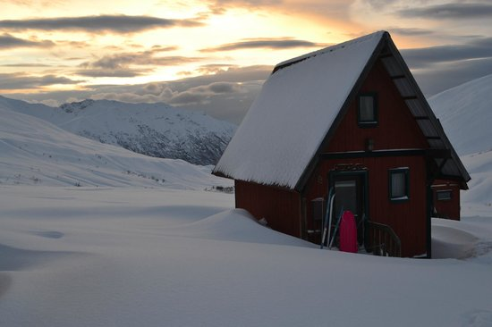 Hatcher Pass Lodge : Cabin two, sleeps four with a loft bed and futon downstairs