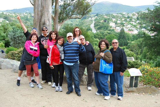 Otago Tours - Day Tours: Cruise ship group in Dunedin Botanic gardens