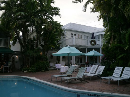 The Gardens Hotel : pool area