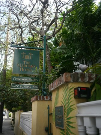 The Gardens Hotel : The hotel entrance