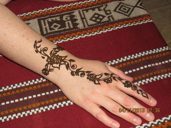 Arabian Adventures: Henna Hand Painting