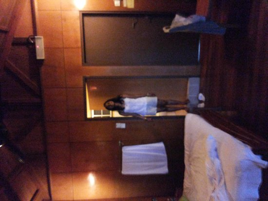 Sepilok Forest Edge Resort : Room