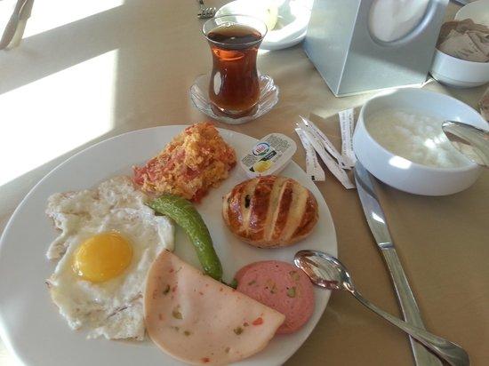 Silence Beach Resort : Завтрак: шведский стол