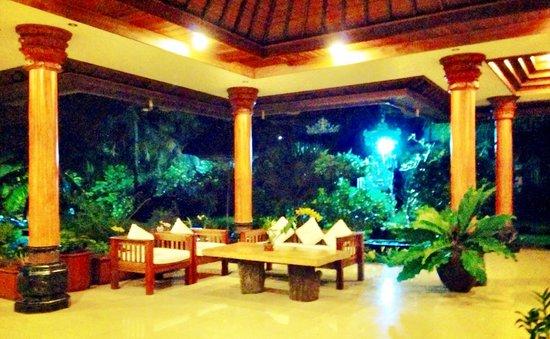 Bhuwana Ubud Hotel: Foyer