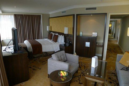 Shangri-La Hotel Sydney : Grand harbour view room