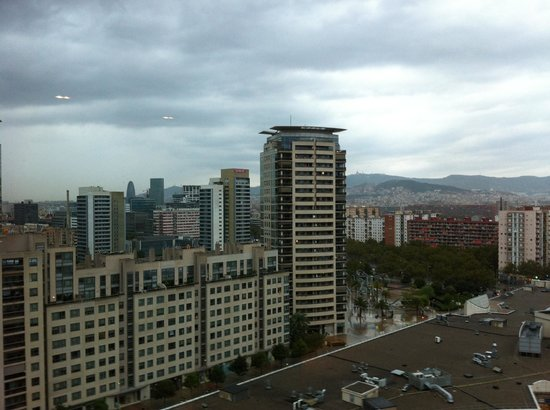Hilton Diagonal Mar Barcelona : вид из отеля