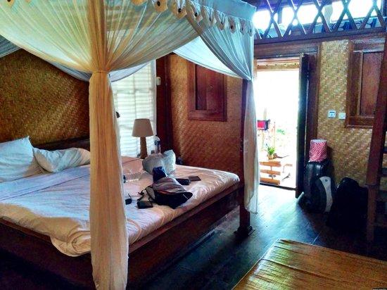 Santai Hotel Bali: Small room