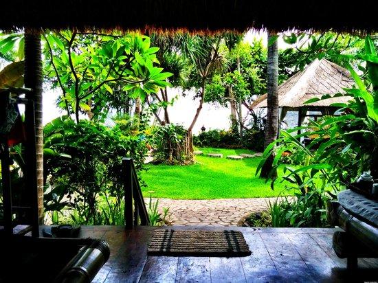 Santai Hotel Bali: Front porch