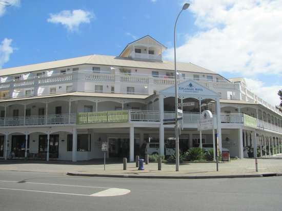 Esplanade Hotel Fremantle - by Rydges: the front valet point