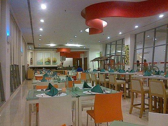 HARRIS Hotel Sentul City Bogor - room photo 1845573