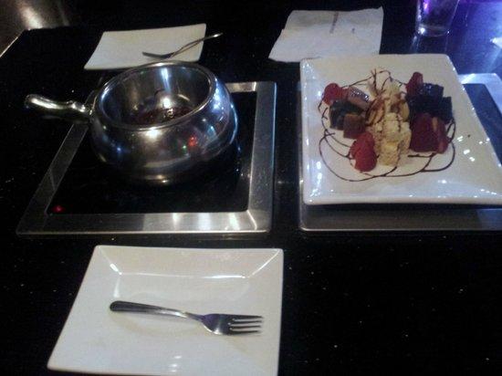 Yojie Japanese Fondue and Sake Bar : Dark chocolate fondue for dessert