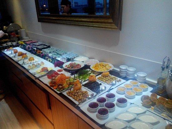 Ambassador Hotel : Breakfast meze.