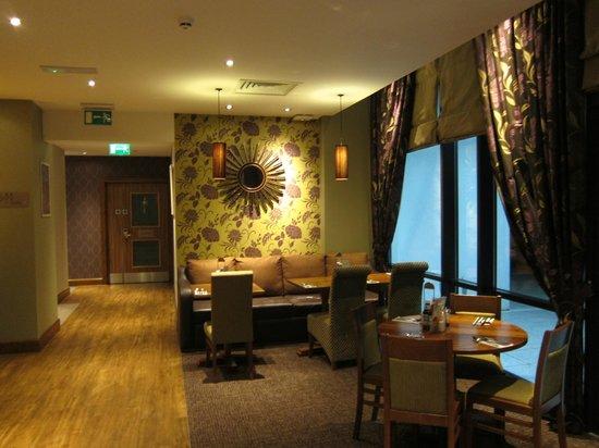 Premier Inn London Stansted Airport Hotel: Restaurant