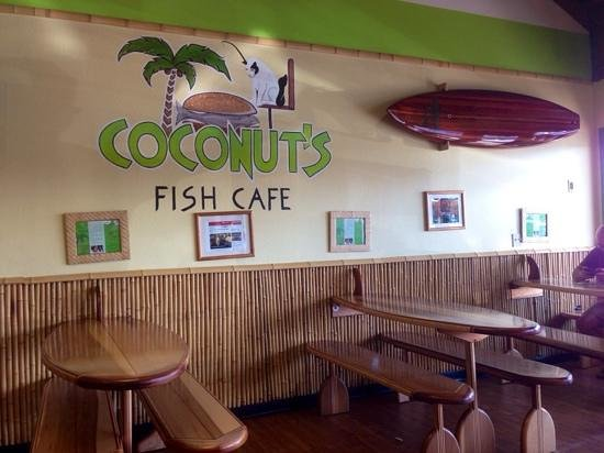 Coconut's Fish Cafe : main room space