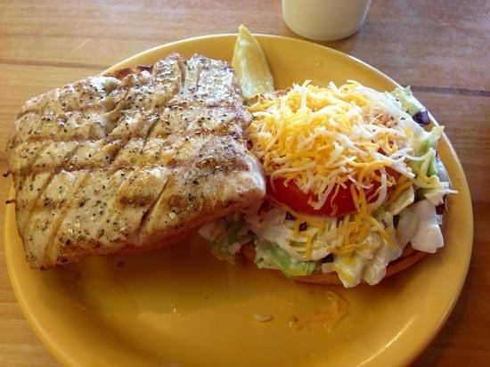 Coconut's Fish Cafe: mahi mahi burger