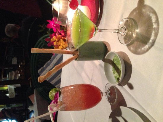 Dr. Frogs Bar & Grill : Japanese Slipper and Sungapore Sling