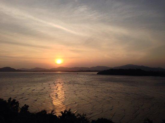 The Westin Siray Bay Resort & Spa Phuket: Sunset from my room balcony