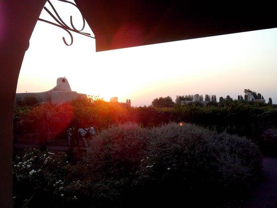 Cavas Wine Lodge: atardecer en cavas !!!