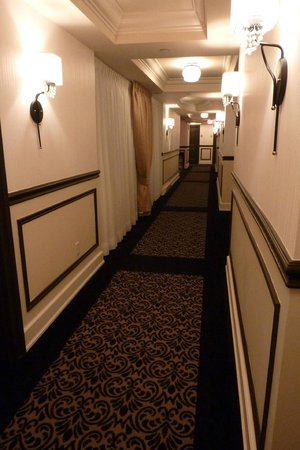 Le St-Martin Hotel Particulier Montreal: hallway