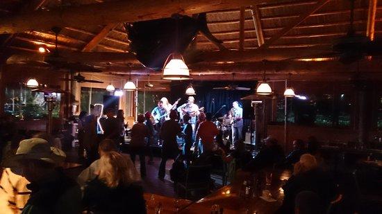 Tarpon Creek Bar & Grill: Big Daddy Love on Stage