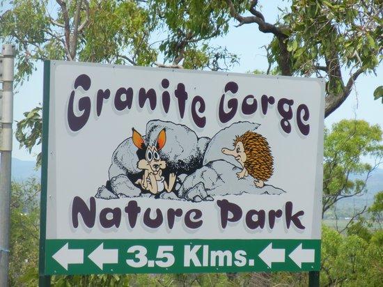 Northern Explorer Tours : 野生のロックワラビー達と触れ合うことが出来ることで有名な『グラニットゴージ』