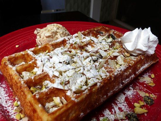 Good waffles at Green Waffle Diner