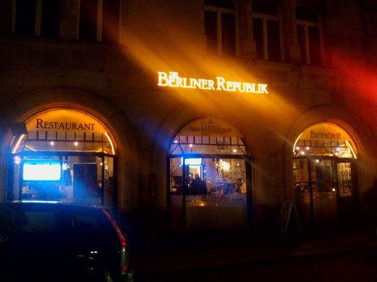 Die Berliner Republik - Brokers Bierbörse: Die Berliner  Republik