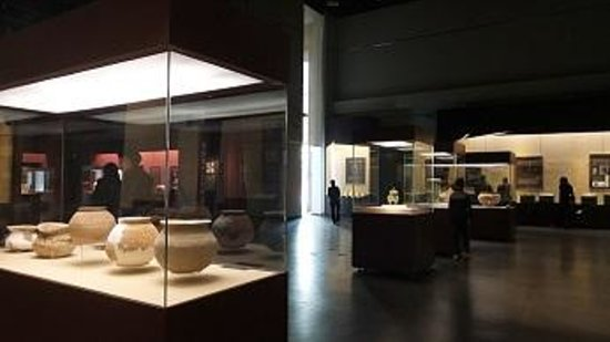 Guangdong Museum : Pottery