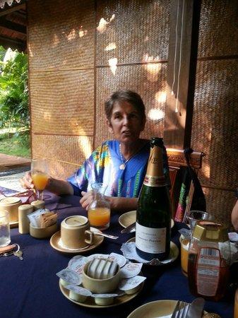 Bougainvillea Guest House Goa: Champagne breakfast birthday treat