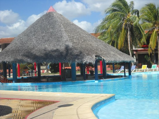 Club Amigo Carisol Los Corales : Pool bar Corales