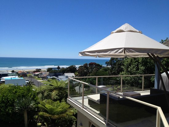 Seagulls Bed & Breakfast: Awesome view on Waihi Beach (from the terrace where breakfast is served)