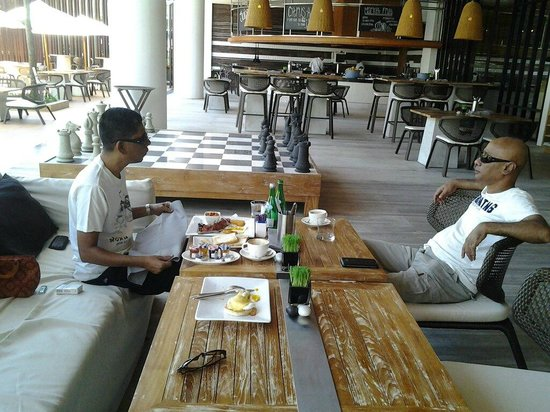 The Stones Hotel - Legian Bali, Autograph Collection: Breakfast in the open and by the giant chess board