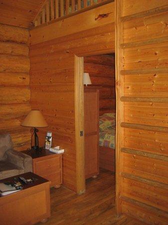 Inside the cabin picture of riverside resort whistler for Cabine in whistler