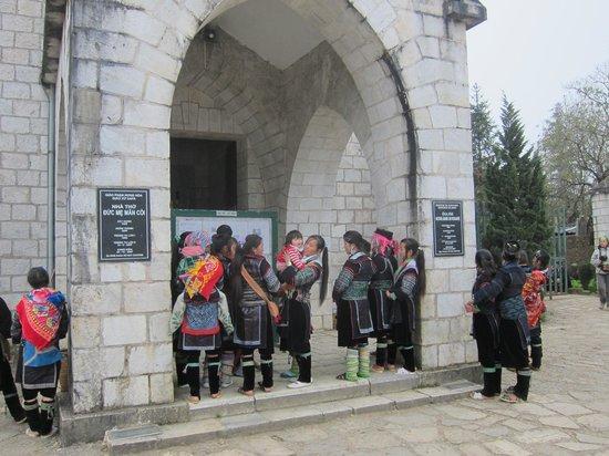 Holy Rosary Church Or the Stone Church : Nha Tho Da, Sapa