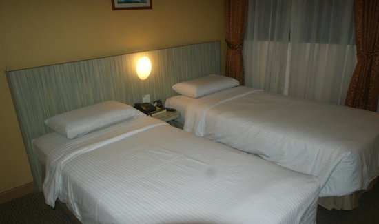 YMCA One Orchard: Comfortable twin room