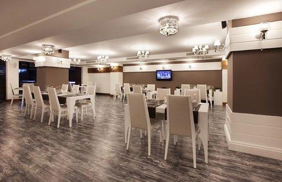 Gabrali Otel: Restorant