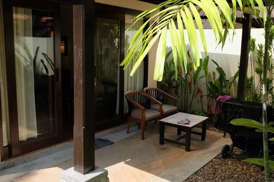 Railay Bay Resort & Spa: Outside cottage