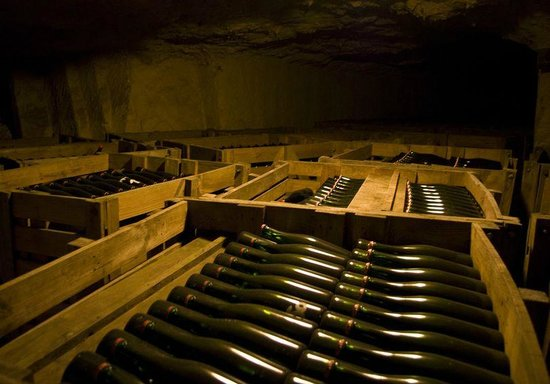 Grandes Caves Saint Roch - Blanc Foussy: Le vieillissement sur lie